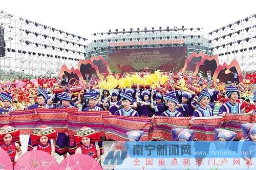 """传承""""三月三"""" 打造广西民俗文化大观园"""